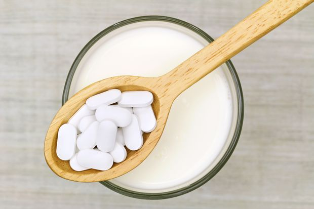 Calcium while breastfeeding. Important nutrient for mom's bone health