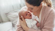 Postpartum recovery tips for new moms. How to recovery from childbirth: physically and mentally.