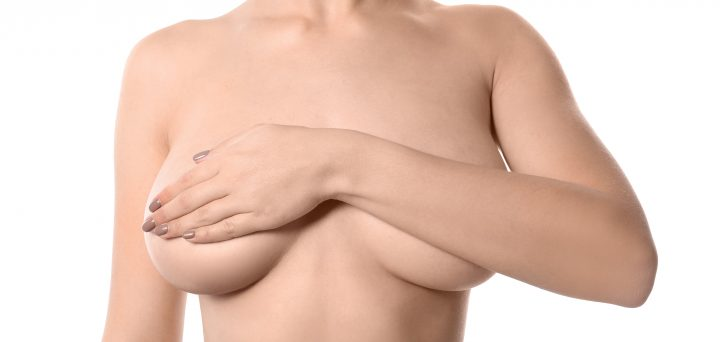 How your breast size and shape affects breastfeeding? Does small breast means you may have low milk supply? Can you breastfeed with lopsided breasts? Can you breastfeed with implants? What breastfeeding problems may you come across having large breasts? These and other questions answered! #breastfeeding #breastsize #breastshape #lactation #howtobreastfeed #newmomtips